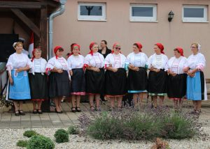 A Molnári Páva kör (amely az elmúlt évben volt 50 éves