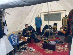 Huszártiszti tábori sátor belseje